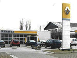Agroservis_Renault_01
